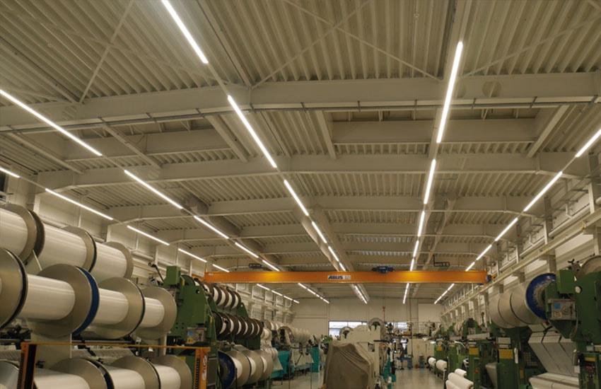 Unsere Lichtband-Installation bei der Eschler Textil GmbH