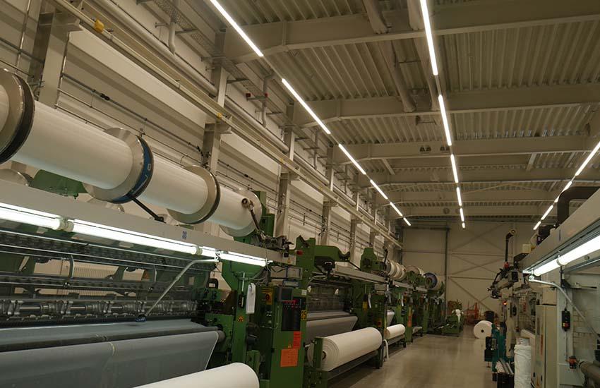 Maschinenbeleuchtung bei der Eschler Textil GmbH